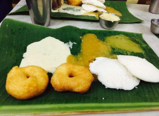 Idli Vadai at Rayar Mess Best breakfast in Pune